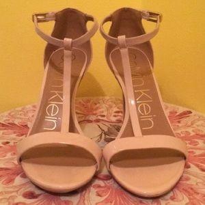 Calvin Klein Heels (Size 8.5)